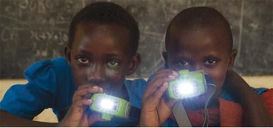 EfiEner, Art Tecn, Oportunidades para reciclado lamparasolarKenia