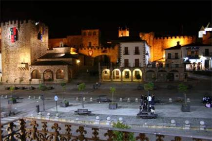 renovación del alumbrado público-luminarias- Cáceres-Eficiencia Energética- iluminación artística-iluminación
