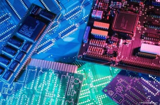 KPMG- semiconductores- sensores-Ley de Moore