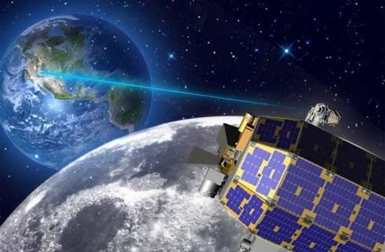 ESA-Teide- ISS-láser-iluminación
