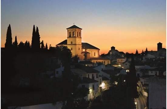 Alumbrado-Albayzín- Granada- Simon Lighting- óptico-LED- iluminación- lumínica