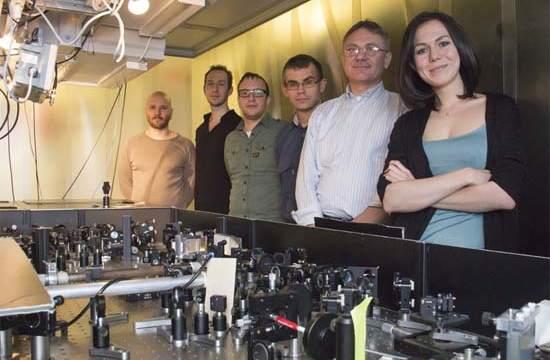 Láser-Láser de alta energía- infrarrojo medio-láseres-haz- luz- fotónica-