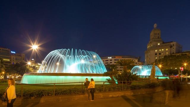 Iluminación- fuentes-Plaza Cataluña- Ignialight-sistema de control-DMX