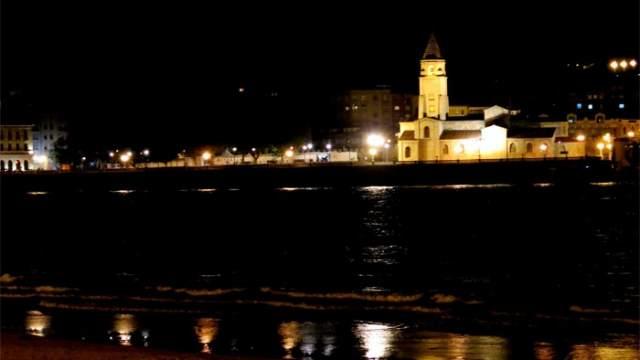 Alumbrado- Gijón—licitación- La Arena- LED- luz- luminarias- farolas