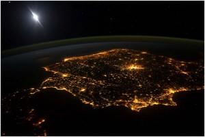 iluminación nocturna, Mapa nocturno- luz- Cities at night- iluminación- alumbrado-contaminación lumínica-imágenes-NASA- fotografías