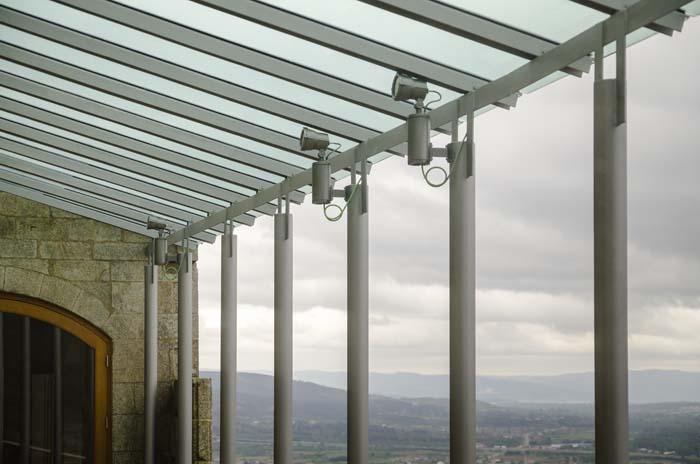 Iluminación- proyectores- luz- Castillo de Monterrei- IGuzzini