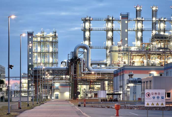 iluminación industrial, Instalador-Iluminación-LED- APIEM- Iluminación LED Industrial- formación-