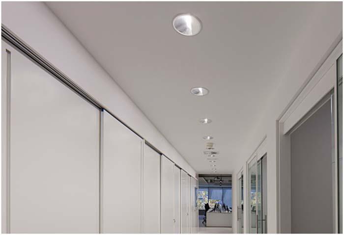 Iluminación-ERCO- Engel & Völkers- Market Center- luz- luminaria- LED