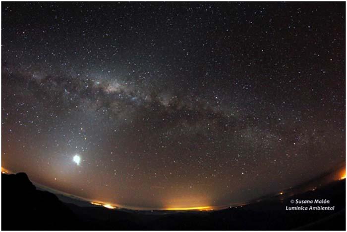 Cielo nocturno-contaminación lumínica-luz- starlight