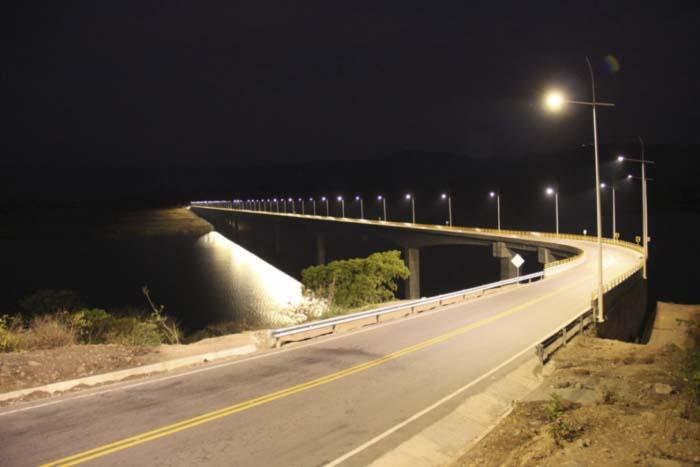 Iluminación- LED- puente- Colombia- Central Hidroeléctrica El Quimbo