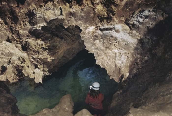 Cueva del Yeso- Baena-iluminación artística