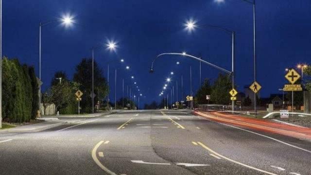 alumbrado público- LED- India- bombillas- puntos de luz- iluminación