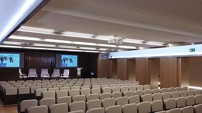 Luz- Lledó- iluminación-Fundación Cajasol- luminarias- Limburg- LED VIEW RMBO- Lutron