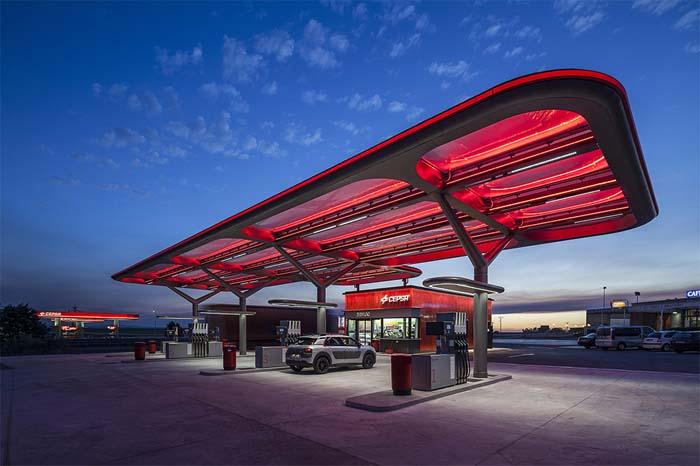Saffron - AUREOLIGHTING - iluminación - Estaciones de Servicio - CEPSA - LED - luz