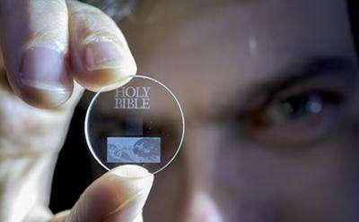 Universidad de Southampton – cristal - almacenamiento de datos - 5D Eternal