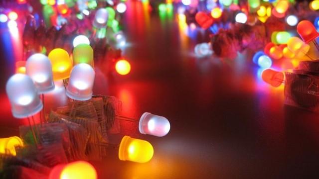 Láser – LED - efecto de niebla - CO2 - Guto Requena - El Concierto de las Galaxias