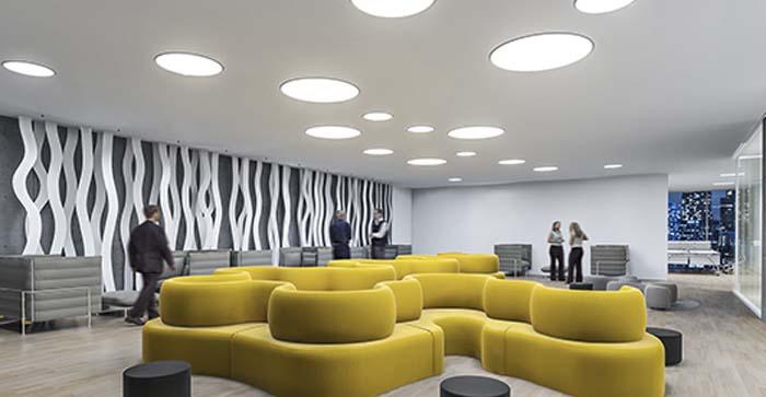 Zumtobel din mica de la luz solar al espacio de las oficinas for Iluminacion led oficinas