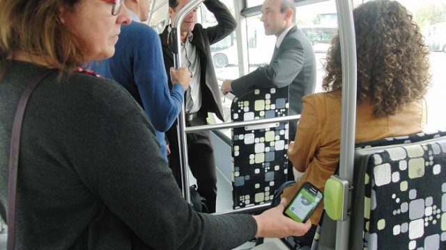Xerox - ITS - sistemas de transporte inteligente - SeamlessTM Transportation - Smartphone - movilidad