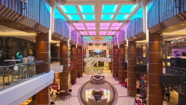 Elation Professional - Ovation of the Seas - iluminación - LED