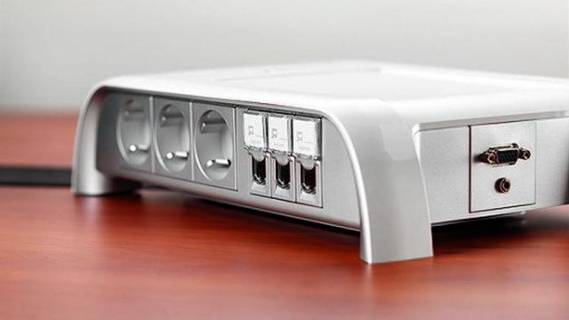 Legrand - puesto de trabajo - oficina - conectividad - conexión