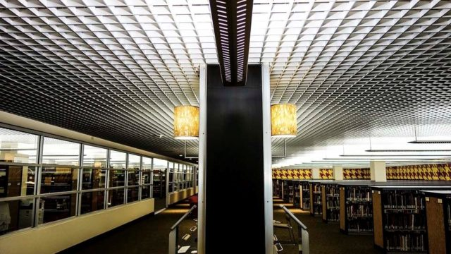 edificio-interior-biblioteca-thirty-pegasus