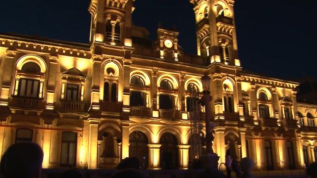 Ayuntamiento de San Sebastián, Iluminación fachada