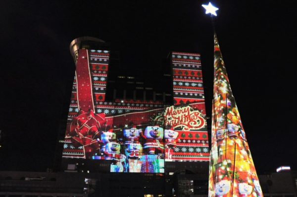 christmasland-projection-mapping_2
