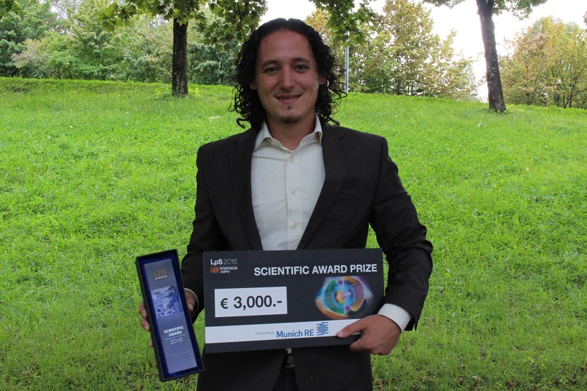 """The winner of the LED professional Scientific Award 2016 was Dr. Rubén D. Costa from the University of Erlangen-Nürnberg for his investigation of """"Bio-Inspired White Hybrid Light-Emitting Diodes"""""""