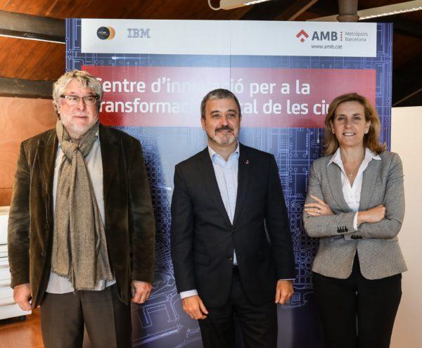 Jaume Collboni, vicepresidente del AMB, Antonio Balmón, presidente de Citilab, y Marta Martínez, presidenta de IBM España, Portugal, Grecia e Israel,fueron los encargados de presentar esta iniciativa.