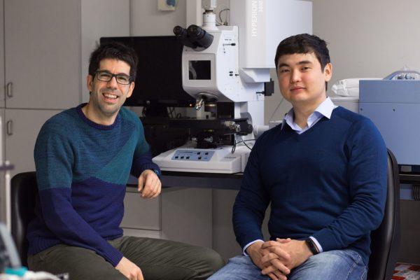 Los investigadores de la UPNA Miguel Beruete y Bakhtiyar Orazbayev. Fotos: UPNA