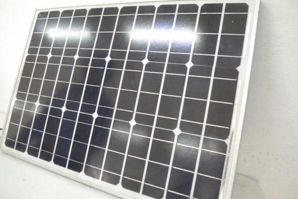 Placa solar utilizada en la luminaria.