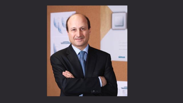 Simon, Lopez Barrena, material electrico