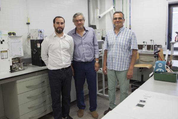 Investigadores del Instituto Universitario de Investigación de Materiales Avanzados de la Universitat Jaume I de Castelló (UJI) que han participado en el proyecto europeo Sunflower.