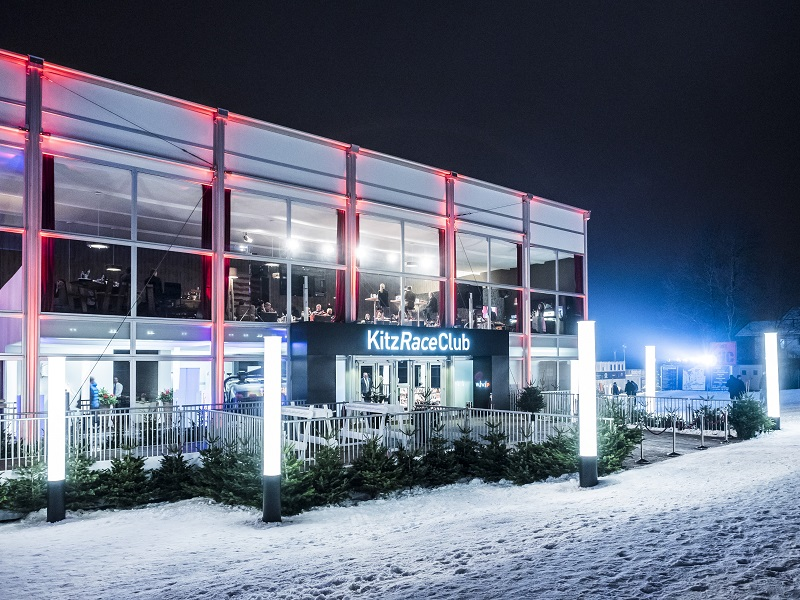 Kitzbühel 2015 The Zumtobel Group is the official lighting partner for the third time in 2017 and has now combined a series of innovative solutions to perfectly showcase the KitzRaceClub.