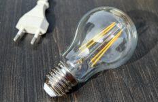 light-bulb-1640438_1920