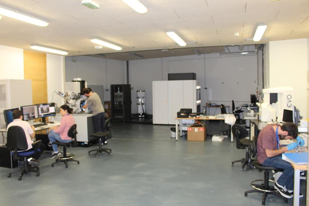 Laboratorio de microscopía electrónica, para caracterización multiescala de materiales y procesos