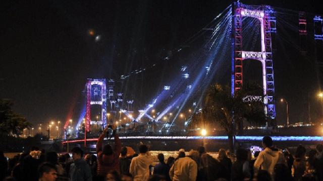 Argentina, iluminacion, puente colgante, Rosario