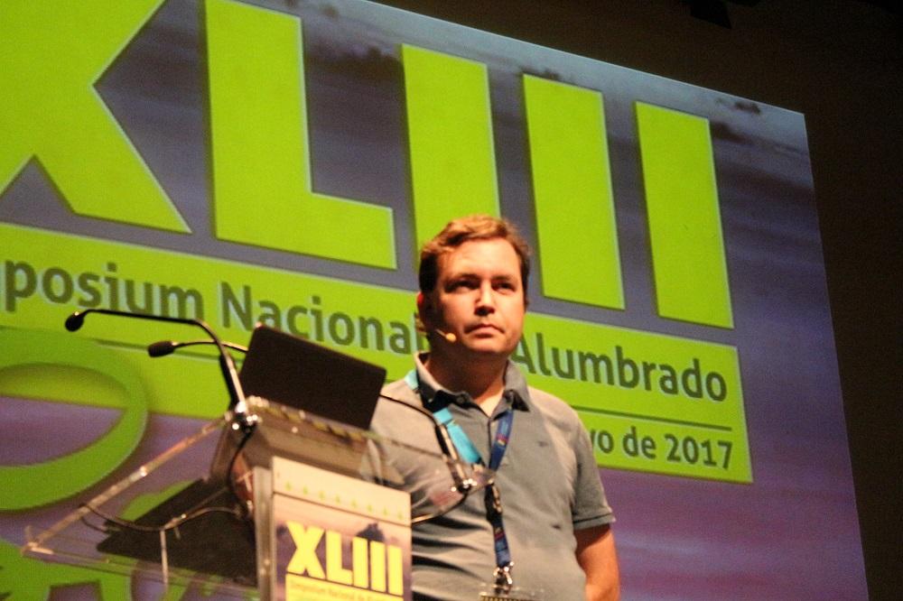 alumbrado, Alex Fernandez, Simposium CEI, contaminación lumínica, LED