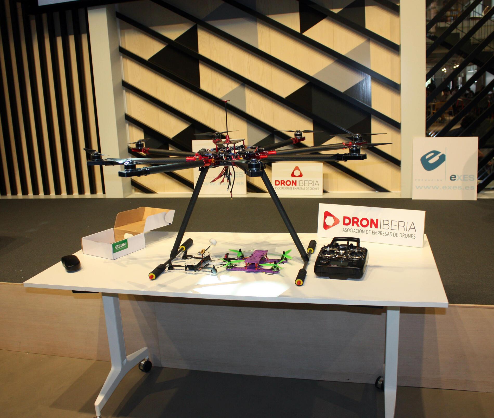 dron, Droniberia