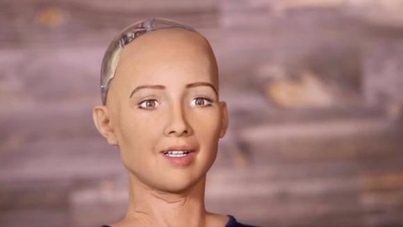 Robot Humanoide, Sophia, IoT