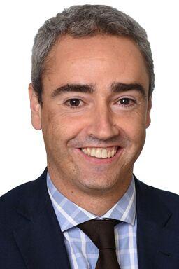 Oscar Querol, Comisión Electrotécnica Internacional