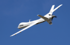 avión no tripulado, láser