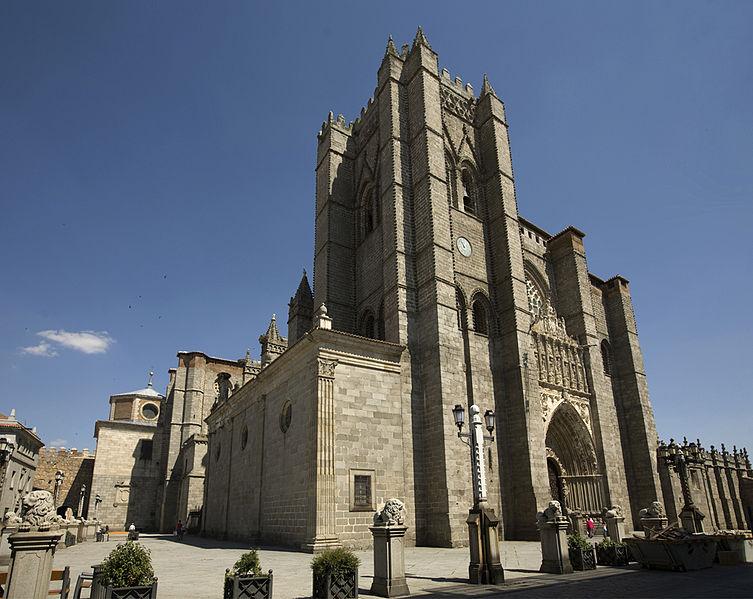 Ávila, iluminación exterior