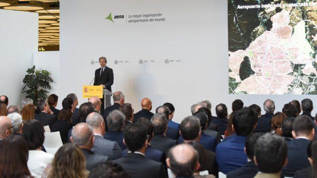 Madrid-Barajas, Iñigo de la Serna, Fomento, Plan Inmobiliario Adolfo Suarez