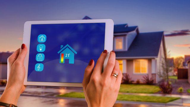 hogares inteligentes, smart home, altavoz inteligente,