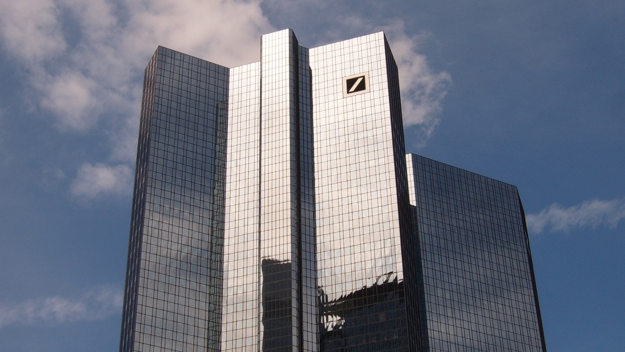Deutch Bank, rehabilitacion energética edificios, IDAE, PREE, rehabilitacion